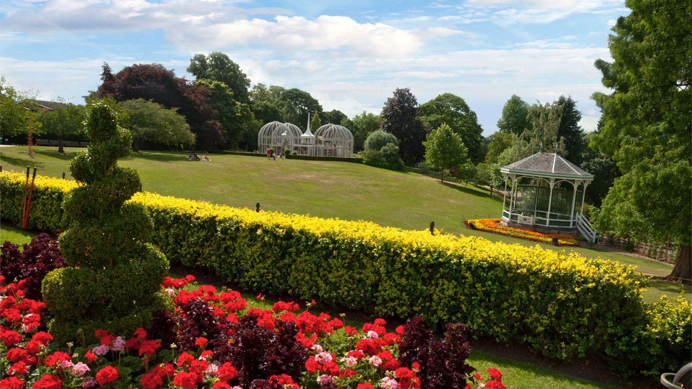 Circus At Birmingham Botanical Gardens Roll Up Roll Up